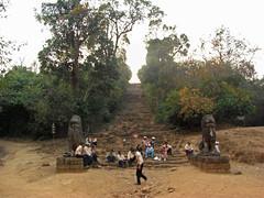 Phnom Bakheng / プノン・バケン by Ik T