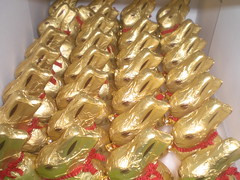 Lindt golden bunnies (Like_the_Grand_Canyon) Tags: bunny germany gold candy sweet chocolate german fold ostern schokolade hase freude lindt osterhase goldhase osterfest