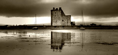 Lochranza Castle (Uncle Berty) Tags: uk england bw white black castle monochrome scotland photographer virtual berty brill bucks isle arran hdr facebook vp smalls lochranza hp18 robfurminger