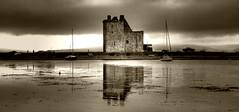 Lochranza Castle (Uncle Berty) Tags: uk england bw white black castle monochrome scotland photographer virtual berty brill bucks isle arran hdr facebook vp smalls lochranza hp18 robfurminger