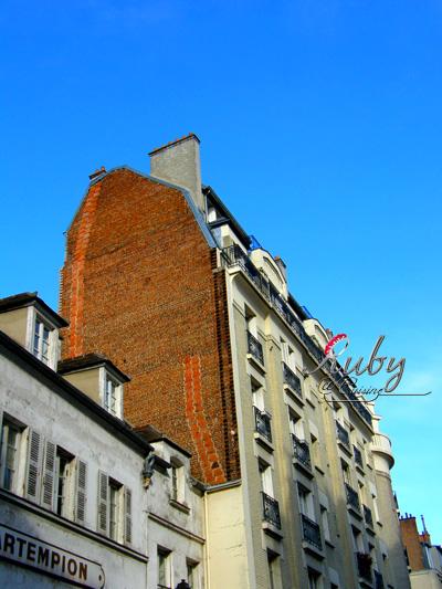 architecture near montmartre_02