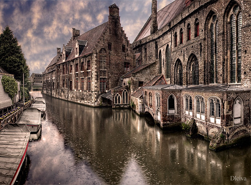 Brugge canal (Belgium) by dleiva.