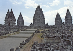 Indonesia, Java : Prambanam #1 (foto_morgana) Tags: architecture indonesia temple java asia vishnu religion yogyakarta shiva unescoworldheritage brahma hindutemple prambanam candilorojonggrang