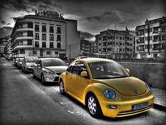 This is... Sin City! (Javier TR) Tags: color blancoynegro car olympus coche hdr newbeetle sincity desaturacinselectiva e520 selectivecutoff