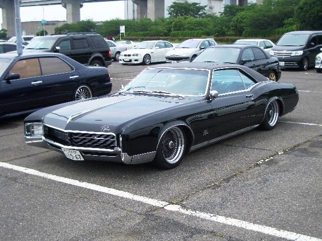 Buick Riviera, in Japan