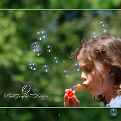 Miracles really do happen. (_AcL_) Tags: bubbles goldengarden memoriesofsummer sooc explore402 nikond40 acl bubblesandbokeh lamiciziafaladifferenza utstandingimages