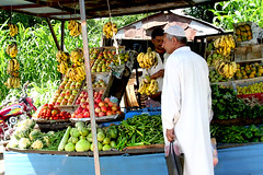 Khuiratta  Fruit vendor (Maqsood From Khuiratta Azad Kashmir) Tags: beautiful model village place dam capital land saida kashmir haji neelam din gali bari feild bal lal imam raise islamabad usman azad masood sufia thair kalabagh nathia chitral mirpur rawal rawalakot banjosa pakis niazi maqsood saidpur mahroof mahfuz simly chiragh tabasum matloob arshid khuiratta banah dheri karjai sahibzadian ihson pheilwan wadiebannah charhoi sayour mullpur mohdkhan giyyaein murreekalabagh lohedandi ihtsham mazafrabad