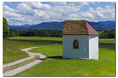 Die Kapelle (Helmut Reichelt) Tags: leica germany bavaria spring natur feld wolken mai sonne penzberg frhling m9 colorefexpro loisachtal faistenberg