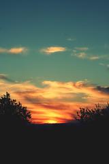 . ([L] di .zuma) Tags: canon 350d tramonto campagna sole colori terrazzo caldo