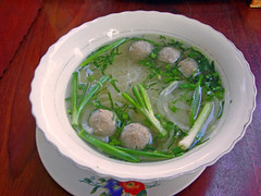 Pho(Noodle) with Meat ball - 肉団子入りフォー by Ik T