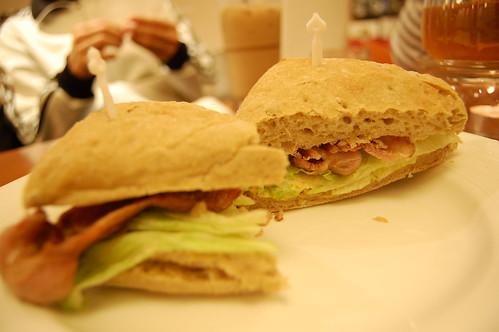 2009-02-10 Goz Cafe 019