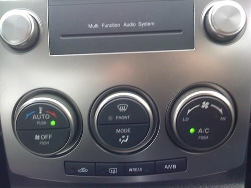 Mazda 5 climate controls