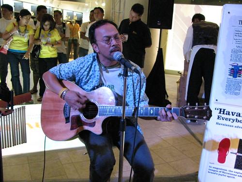Noel Cabangon at Havaianas' event -2
