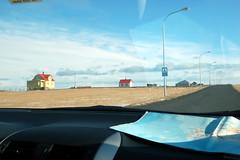Eenzaam wonen (Marijedg) Tags: lighthouse island march iceland reykjavik 2009 vuurtoren maart ijsland gardur schiereiland reykjanus