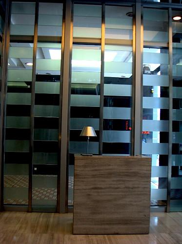 jimwang0813 拍攝的 仁民飯店入口。