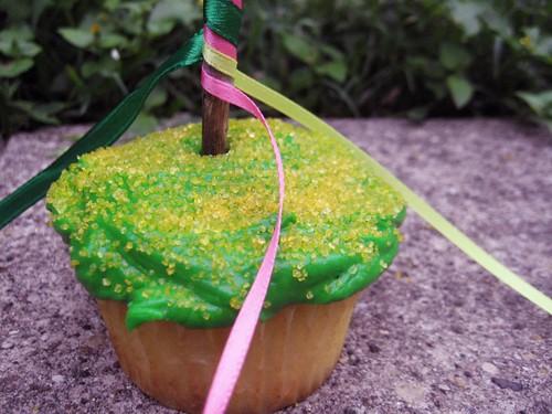 may day cupcake
