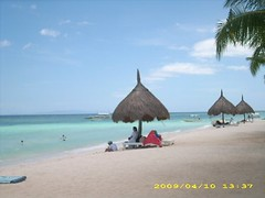 the hut in a hot day (i am disan) Tags: beach bohol panglao holyweek