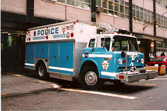 1993 NYPD Police Truck 1 Ford NYC (Clemco/GTI) Tags: new york city nyc rescue baby ny ford truck 1 manhattan police nypd 1993 service squad emergency department dept unit anytime esu