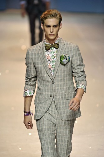 Jeremy Dufour357_SS10_Milan_Etro(first VIEW)