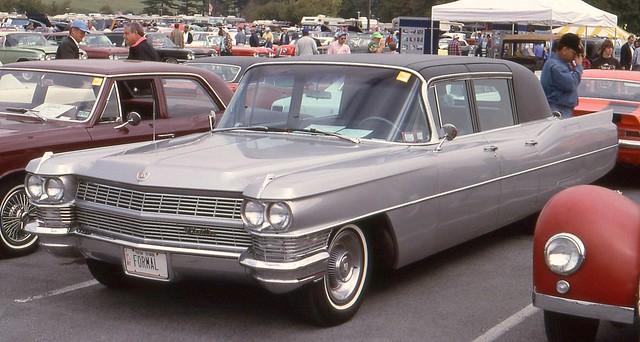 1964cadillacfleetwood75formallimousine hersheyoldcarfleamarket1992 ©richardspiegelmancarphoto