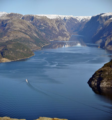 "Bateau sur le Lysefjord (thomaspollin [thanks for 2.2 million views !!!]) Tags: panorama norway stavanger norge europa europe thomas norwegen panoramic panoramique preikestolen rogaland lysefjord norvège pollin thomaspollin ""flickraward5"" ""flickrawardgallery"""
