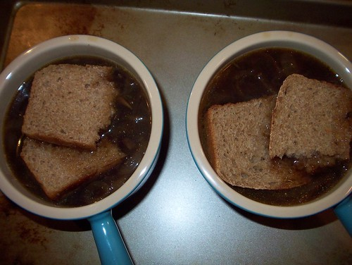 top onion soup with bread