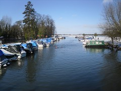 River Thames (crwilliams) Tags: snow thames river boats oxford date:month=february date:day=7 date:year=2009 date:wday=saturday date:hour=11