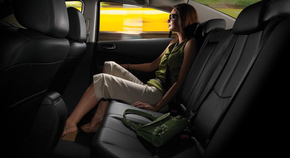 Mazda 6 rear-seat knee, hip, legroom