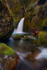 Wahclella Falls (Jeff Engelhardt) Tags: longexposure blue green rock oregon canon river waterfall moss soft falls bonneville columbiarivergorge wahclellafalls 40d vosplusbellesphotos