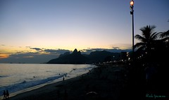 Por do Sol em Ipanema - Sunset in Ipanema Beach (.**rickipanema**.) Tags: praiadeipanema ipanema ipanemabeach nikoncoolpixp80 pordosolemipanema sunsetinipanemabeach