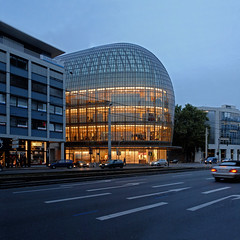renzo piano building workshop, peek & cloppenburg 1999-2005 (seier+seier) Tags: house building glass architecture facade germany deutschland creative piano cologne commons kln bleu cc workshop architektur transparent renzo lheure micestitch seierseier