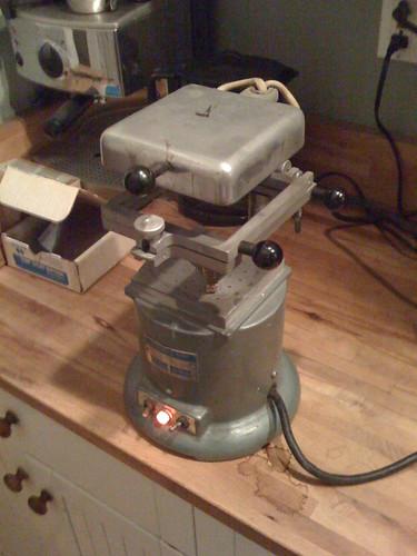 Vacuum former