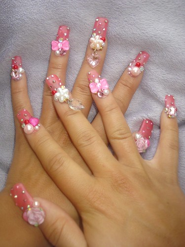 ★Pinky rose, heart, and bow nails★ by Pinky Anela.