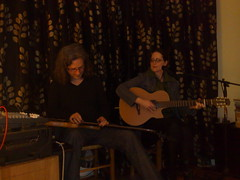 photo of Steve Lawson and Lobelia playing at a house concert in Edinburgh