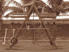 Reminiscncia [dois] (Priscilla Santos) Tags: wood sepia canon casinha littlehouse a480 reminiscncia