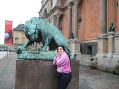 Un lion devant la Glyptotek