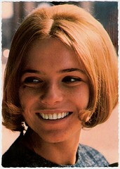 France Gall (Truus, Bob & Jan too!) Tags: cinema france film vintage movie french kino european postcard picture cine screen singer actress movies postal sixties postale cartolina chanson carte gall postkarte filmstar vedette ansichtkaart postkaart francegall yy tarjet briefkarte publistar pbertrand