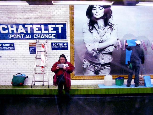 Woody Allen, Paris la nuit, et moi