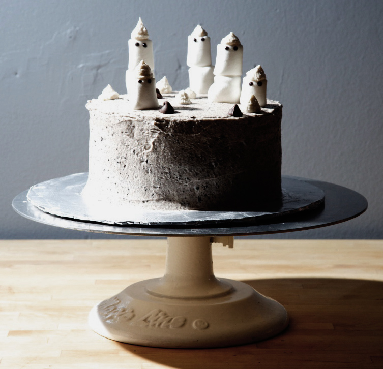 spooky ghostcake with dandies
