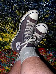 138/365 (monkeymillions) Tags: portrait feet self legs converse 365 allstars 138 threesixtyfive onehundredandthirtyeight