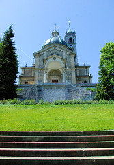 Church on The Hill In Zurich (cwgoodroe) Tags: blue summer sun alps hot church grass switzerland boat europe suisse swiss mountaintown zurich sunny