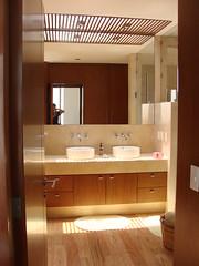 Baño Rec. 1 (enrique blazquez) Tags: house glass architecture stairs mexico design casa arquitectura df interior baths diseño baño escaleras carpinteria