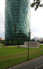 Westhafen Tower, Frankfurt/Main 2009 (Spiegelneuronen) Tags: architektur westhafen westhafentower frankfurtmain schneiderschumacher geripptes