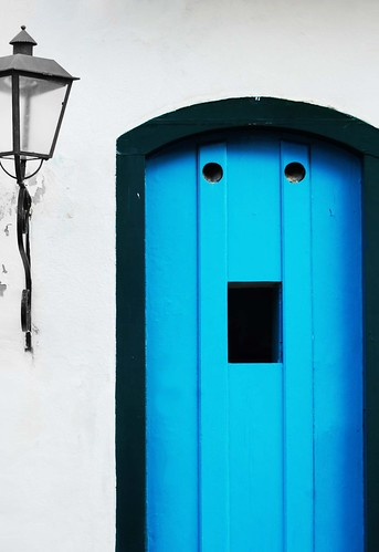 Door face in Paraty