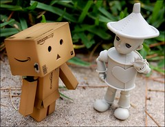Danbo Meets Max (Little Joni) Tags: max dolls mini tiny bjd tinman donge danbo iset amazoncojp revoltech dollti danboard