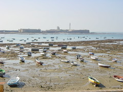 2002-10-26 11-15 Andalusien, Lissabon 302 Cádiz (Allie_Caulfield) Tags: ocean santa november 2002 sun castle beach water strand de boot la boat catalina photo al andalucía highresolution spain sand meer wasser flickr foto image harbour south herbst picture free playa boote cc espana spanish creativecommons cadiz costadelsol jpg bild andalusia jpeg hafen picturesque spanisch sonne andalusien spanien lido burg pictorial stockphoto ebbe caleta mittelmeer kastell sandstrand andalus malerisch spanische spanisches casttillo südspanien