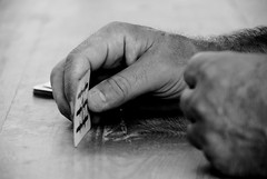 gioco (Maurizio Moschese - cincinnato) Tags: old blackandwhite bw man blancoynegro bar cards hands nikon hand noiretblanc mani manos bn mano biancoenero carte d80