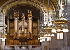 The Lewis Organ and Main Hall, Kelvingrove (GlasgowPhotoMan) Tags: music cars memorial glasgow organ partick kelvingrove glasgowuniversity vintagecars artgalleries kelvingrovepark transportmuseum glasgowtransportmuseum digitalcameraclub kelvingroveartgalleries glasgowartgalleriesandmuseums