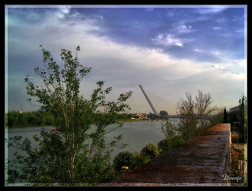 Puente del Alamillo  (by Doenjo)