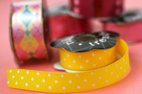Yellow polka-dot ribbon